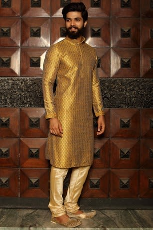 Stylish Yellow Kurta Set Highlighted with All over Stitch Line