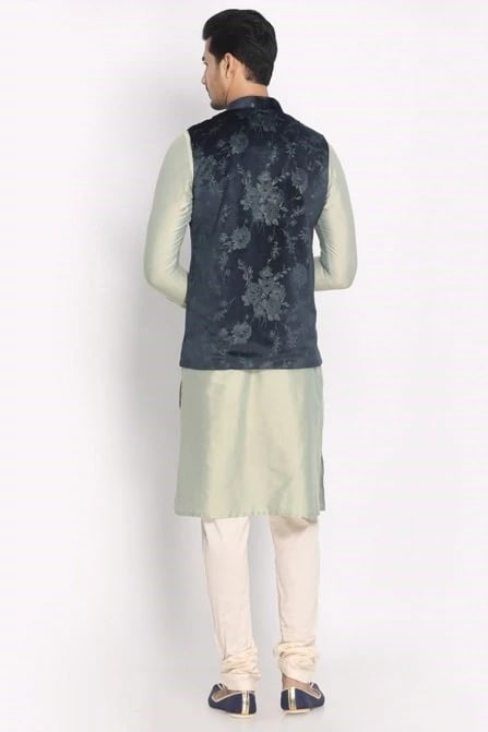 Complete Your Look with this Stylish Kurta Jacket Set