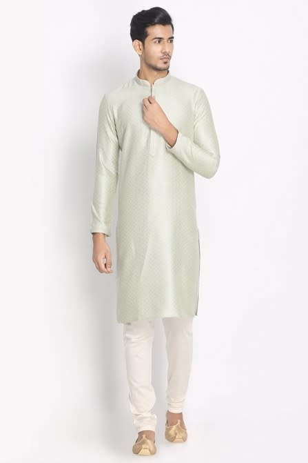 Flaunt Your Style with This Traditional Kurta