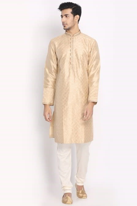 Flaunt Your Style With This Festive Kurta