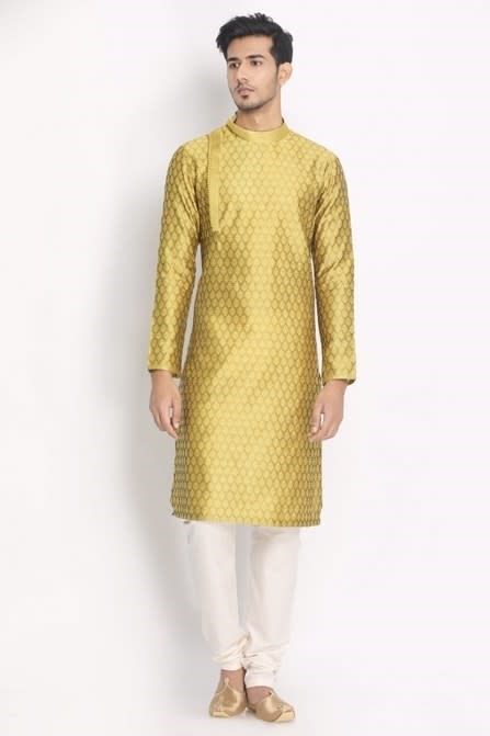 Flaunt Your Style With This Trendy Kurta