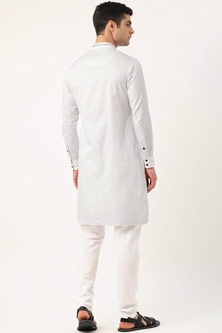 Simple Kurta with an Elegant Neckline and Piping Detail