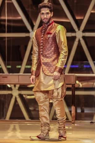 Contrast Kurta Jacket Set with the touch of Zardozi Work